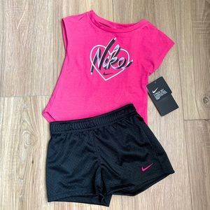 Nike Toddler Girls 2 Piece. Size 24 Months NWT